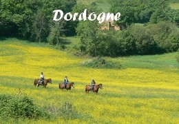 horseback riding in dordogne